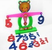 モンテッソーリ教育玩具